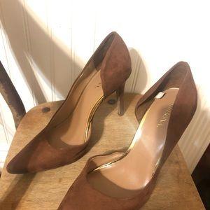 Like new- brown heels